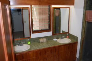 master bathroom Kanaloa 1002