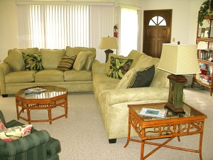 Kona condo living room